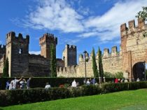 Lazise, Italy | The Scaliger walls